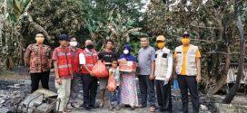 PMI Babar Salurkan Paket Sembako kepada Korban Kebakaran di Air Samak